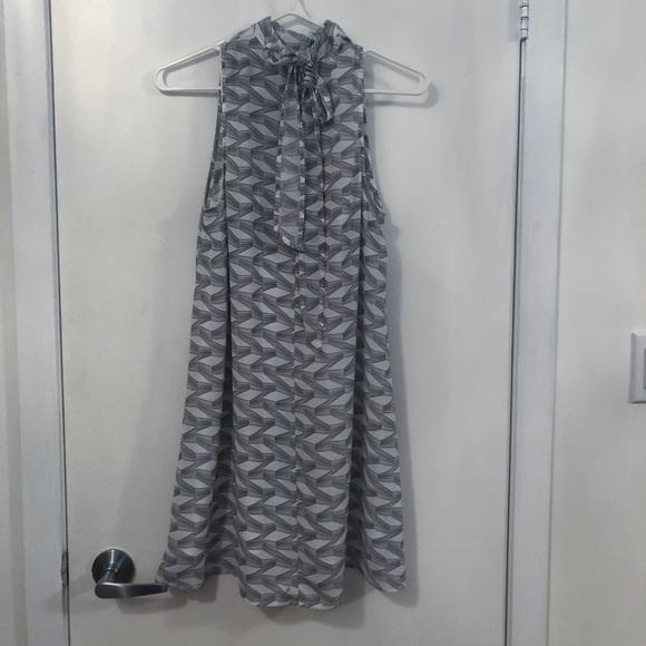 BB Dakota Dresses & Skirts - BB Dakota white and grey patterned shift dress